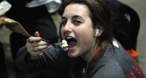 1st Alliance 18 Silver's Kendal Kavanaugh enjoys her salad during some down time but the day ended with a tough playoff loss to Vision as 1st Alliance fell out of contetention.