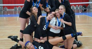CVC 18 Black earned the right to be silly after winning 18 Open at Bluegrass. Photo by Deb Sharrits