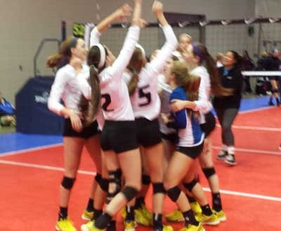 Skyline 18 Royal players gather for a quick moment after earning the final bid in 18 Open.