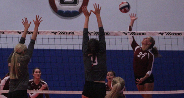 Illini Elite 18s' Lauren Rokey (27) was one player that caught our attention during the first day of the NJC.