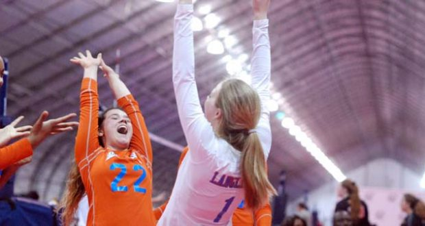 Beach Vibes dominated the field to win 17 Open in Vegas. Jane Seslar (22) and Ally Langlinais celebrate the winning effort