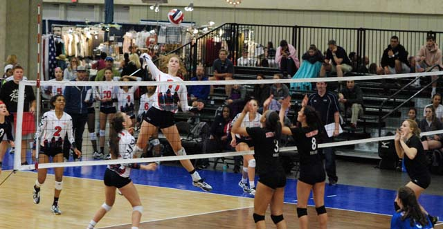 Holly Campbell terminates for AJV 17 Mizuno in its 17 Open match versus TX Image with a bid on the line