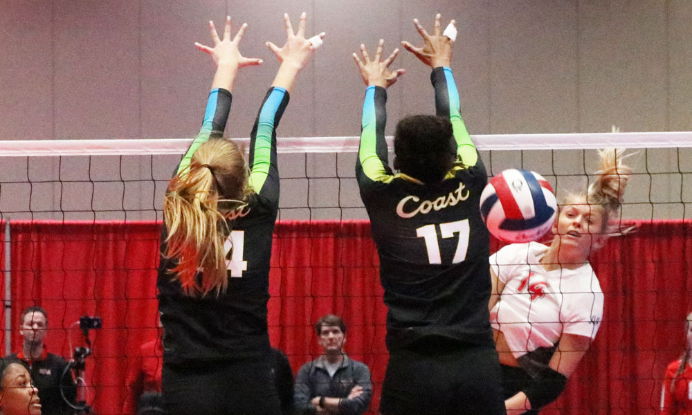 Anna DeBeer of Asics KiVA 17 Red watches her shot on Day 1.